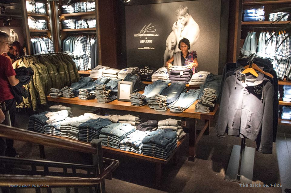 Abercrombie-&-Fitch-Fifth-Avenue-New-York-flagship-store-image-by-Charles-Marion-for-The-Sitch-on-Fitch-4