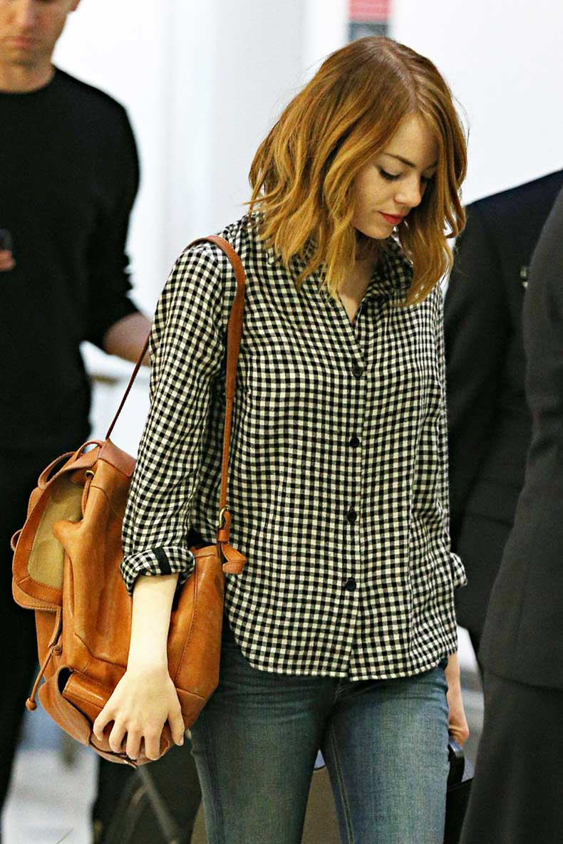 emma-stone-arrives-at-airport-in-sydney_1