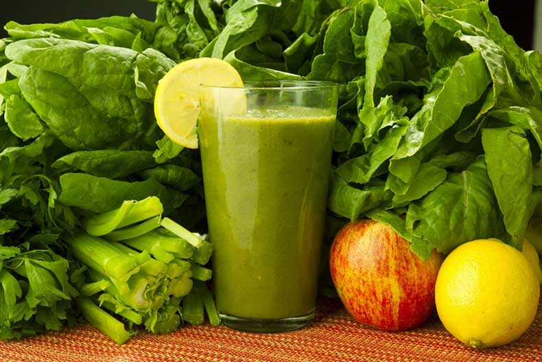 Kimberly-Snyder-Green-Glowing-Smoothie