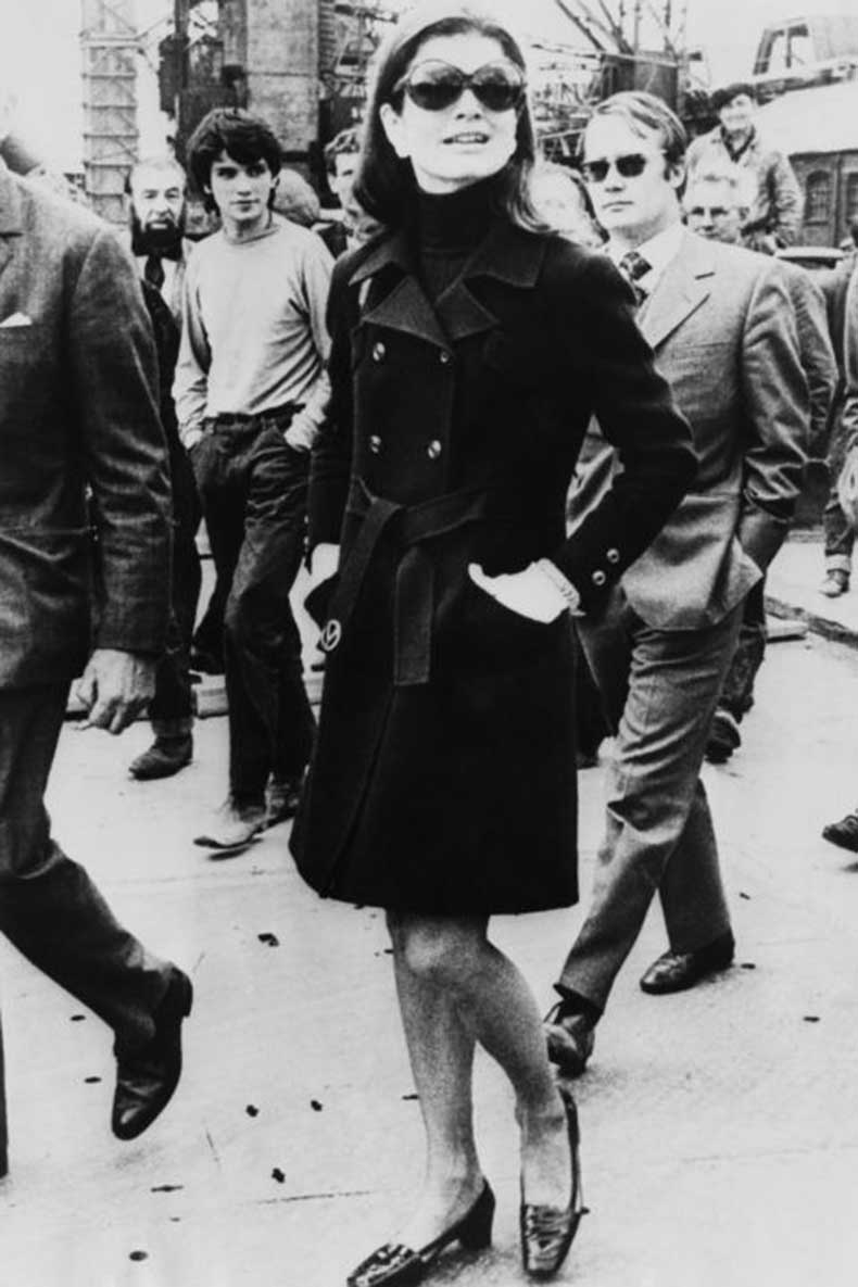 elle-8-jackie-kennedy-trench-coat