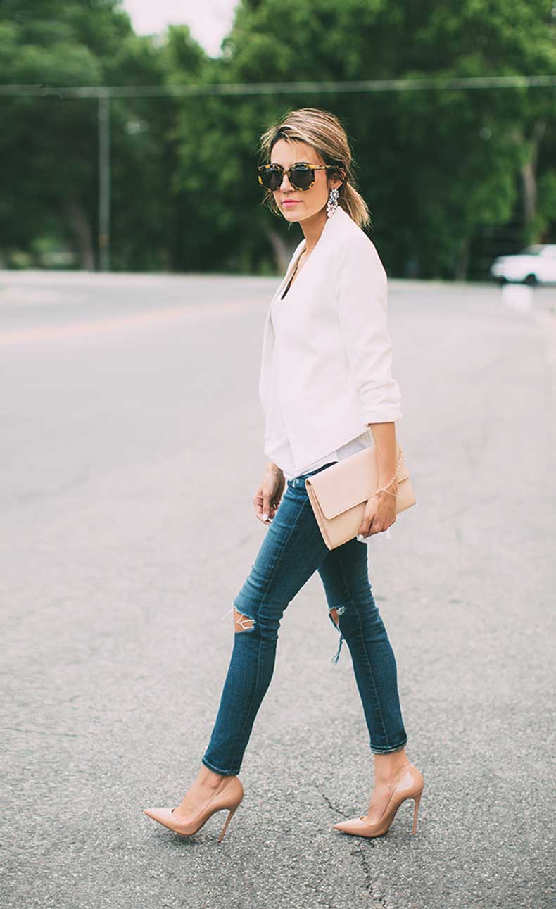 white-blazer-and-jeans