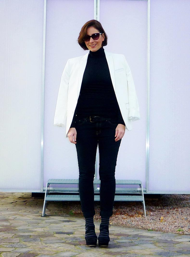 Black-and-white-street-style