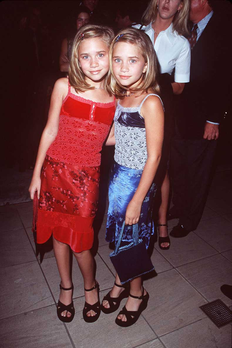 54831f82cbef2_-_mcx-mary-kate-ashley-olsen-02-s2
