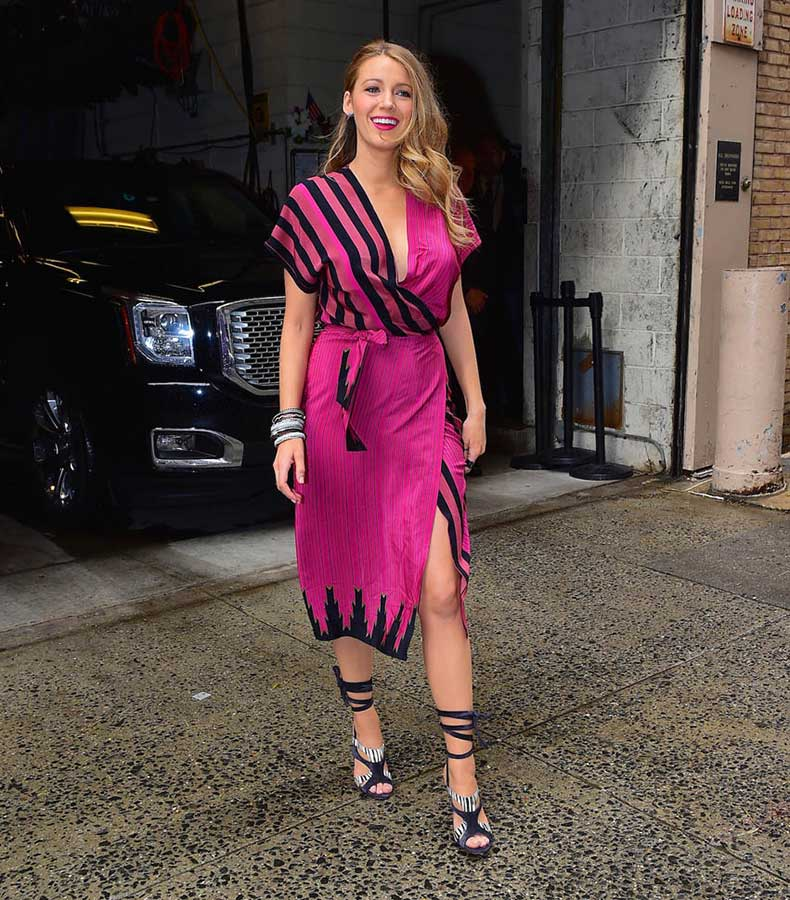 blake-lively-outfits-21apr15-02