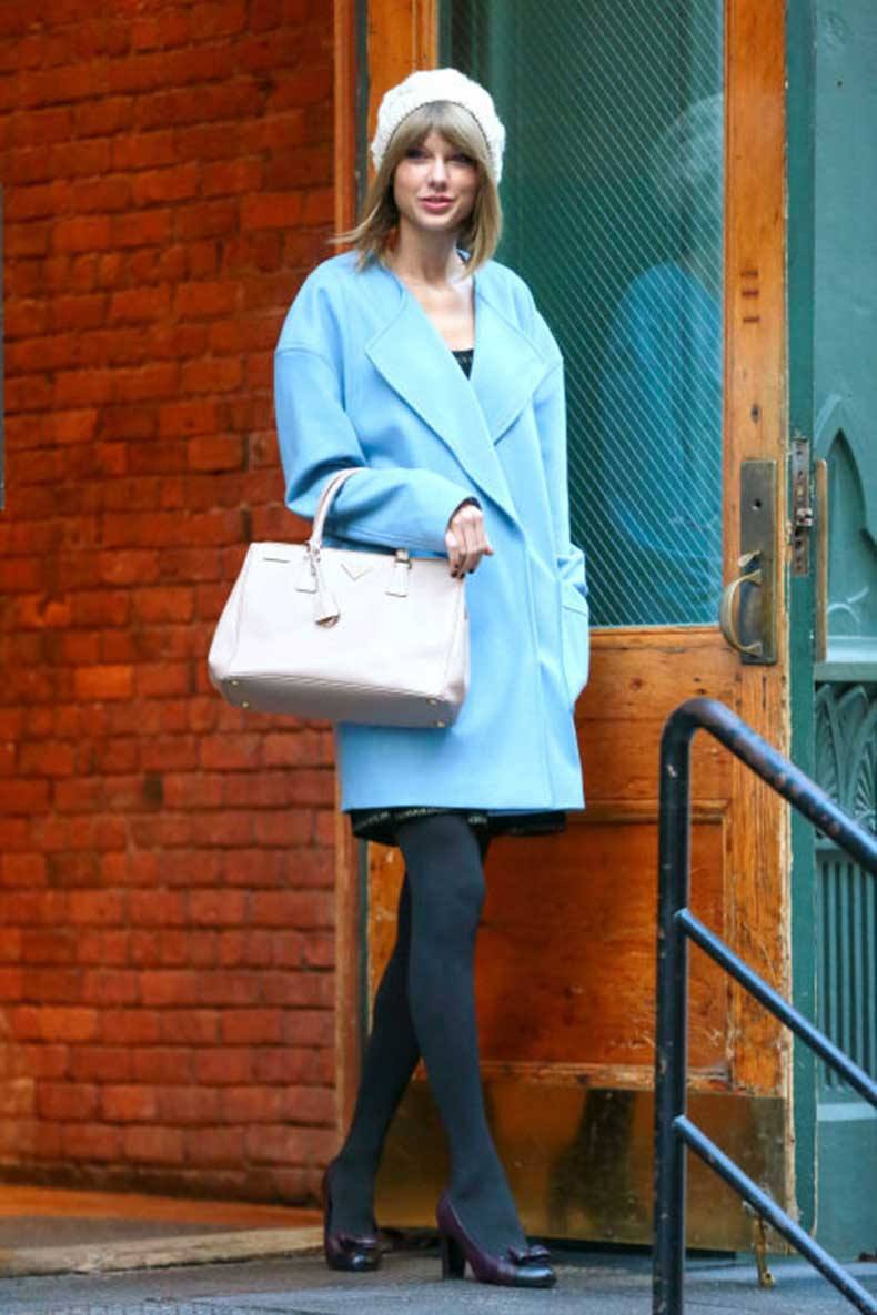 gallery_nrm_1418395896-mcx-taylor-swift-ootd-blue-coat