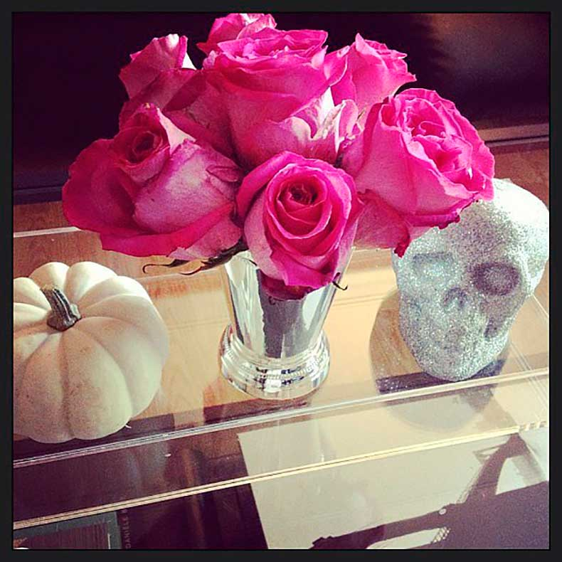 simple-yet-elegant-Halloween-display-always-glam