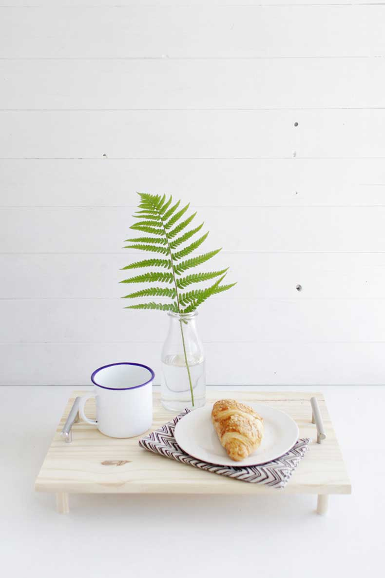 DIY-Pine-Serving-Tray-10