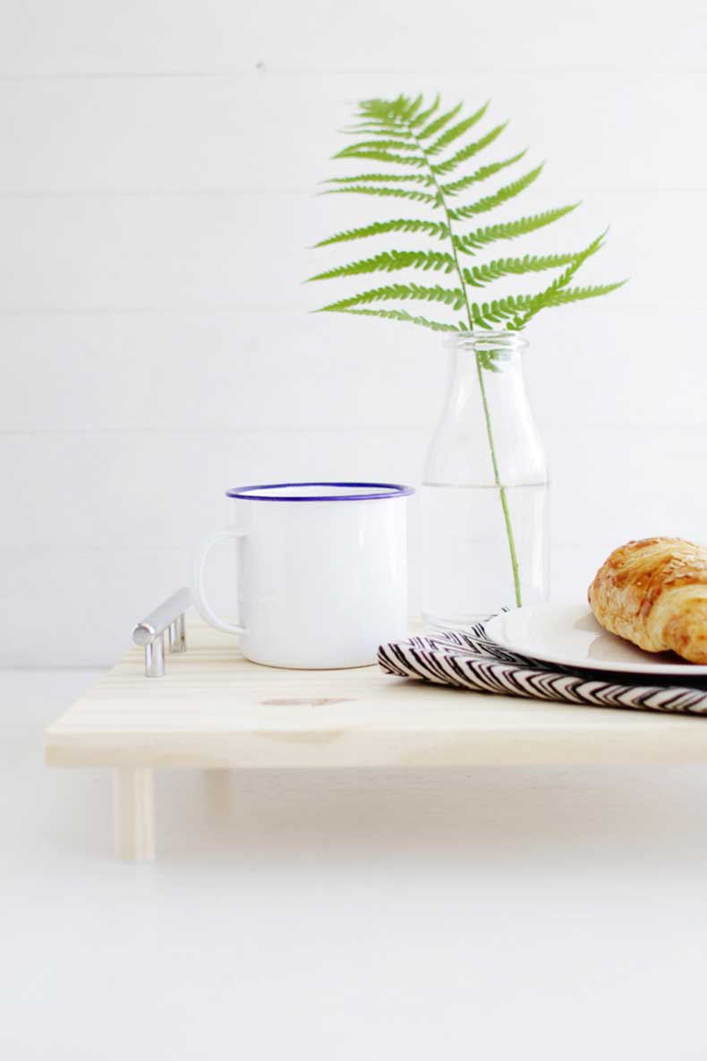 DIY-Pine-Serving-Tray-15