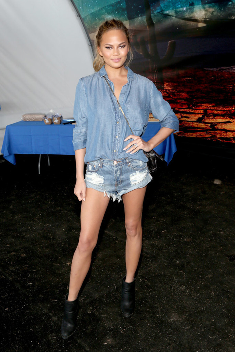 Chrissy-Teigen-knows-doubling-up-denim-tripling-those-true