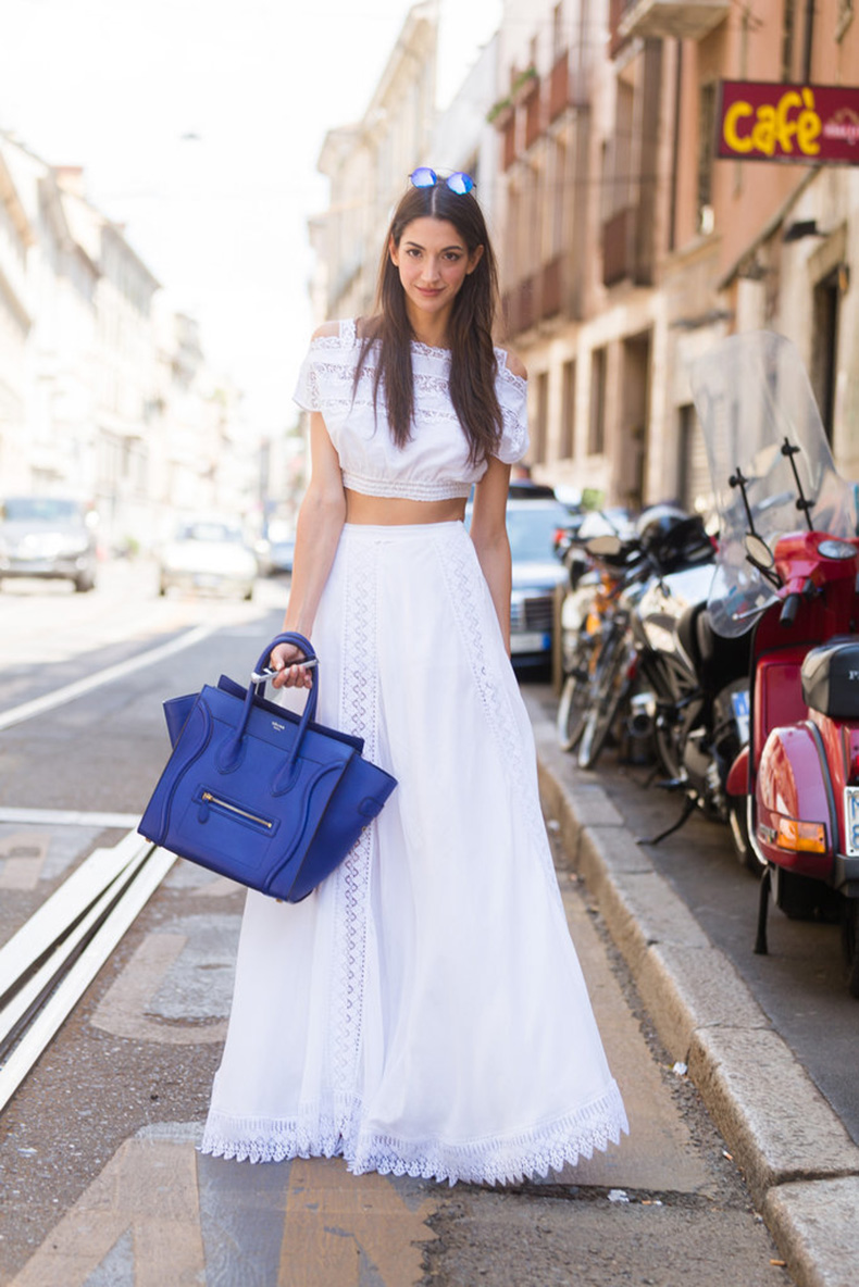 tummy-baring-crop-top-helped-balance-out-volume-full-maxi