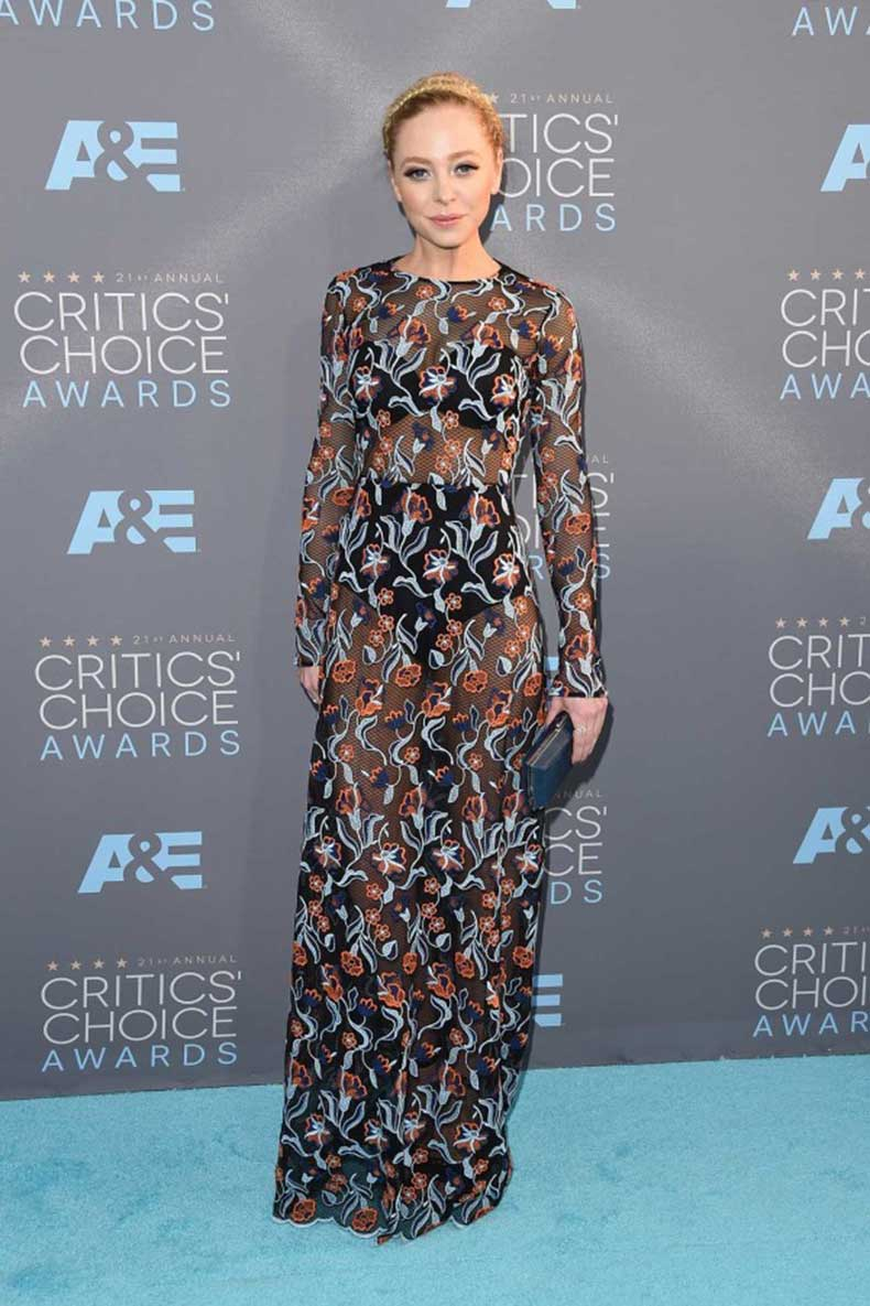 Portia-Doubleday-Critics-Choice-Awards-2016-600x900