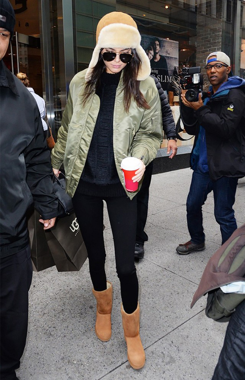 the-10-piece-kendall-jenner-wardrobe-1615945-1452215254.640x0c