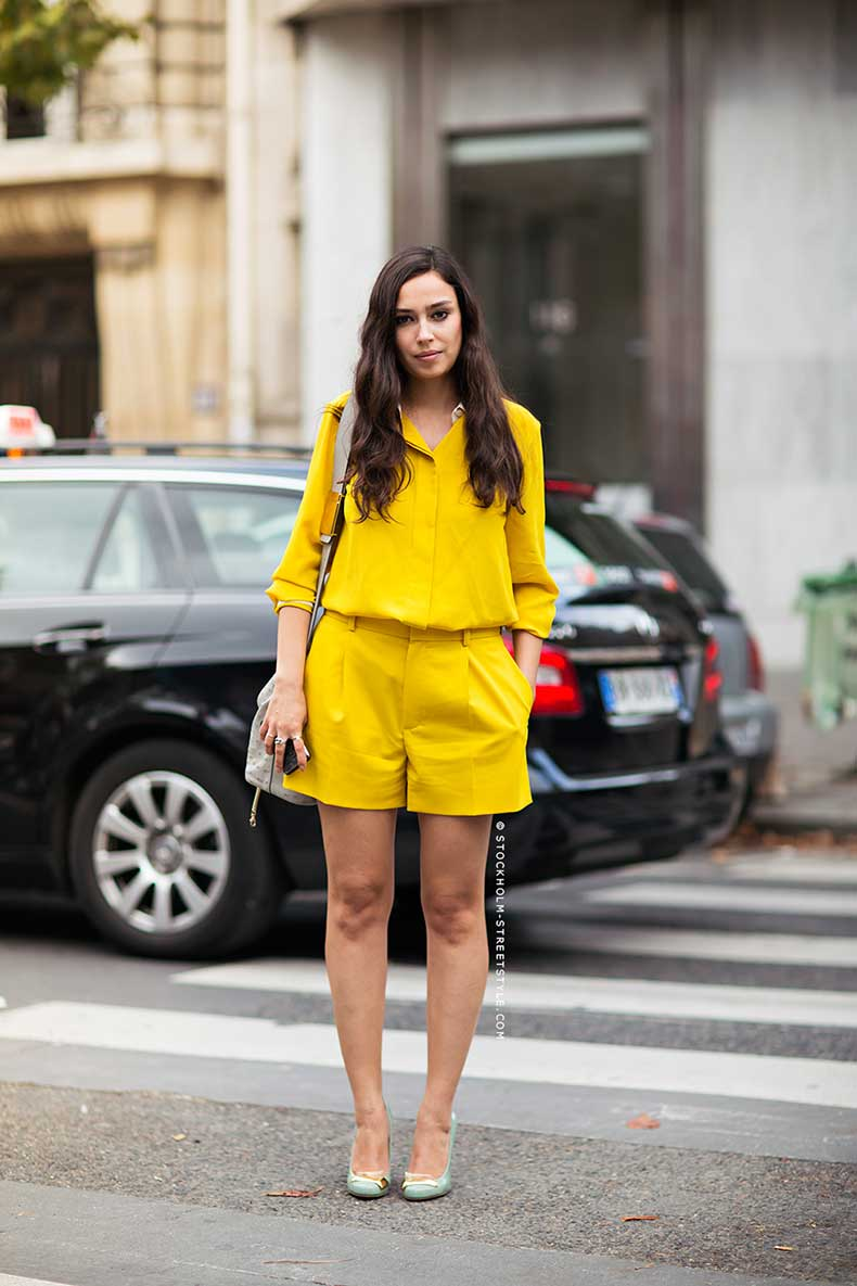 yellow-blouse-with-contrast-collar-hidden-buttons-and-matching-pleated-shorts-stockholm-streetstyle