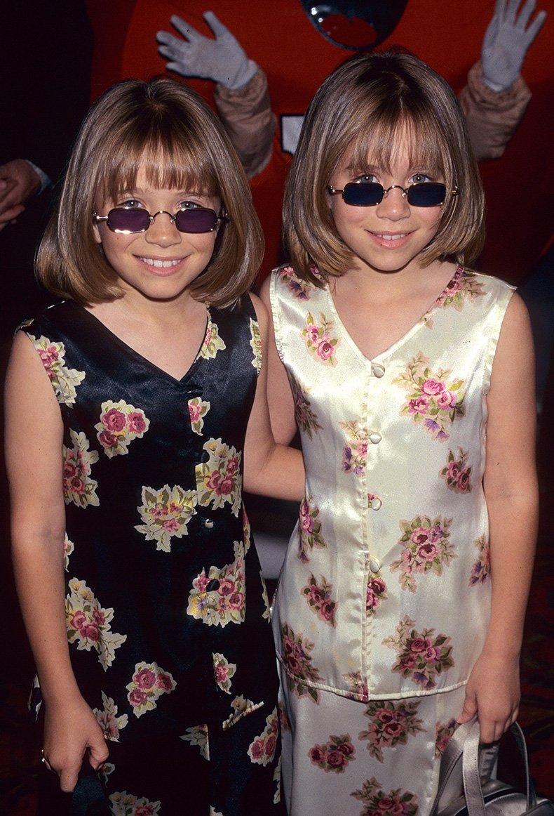 Mary-Kate-Olsen-Ashley-Olsen-sported-some-shades-Audrey