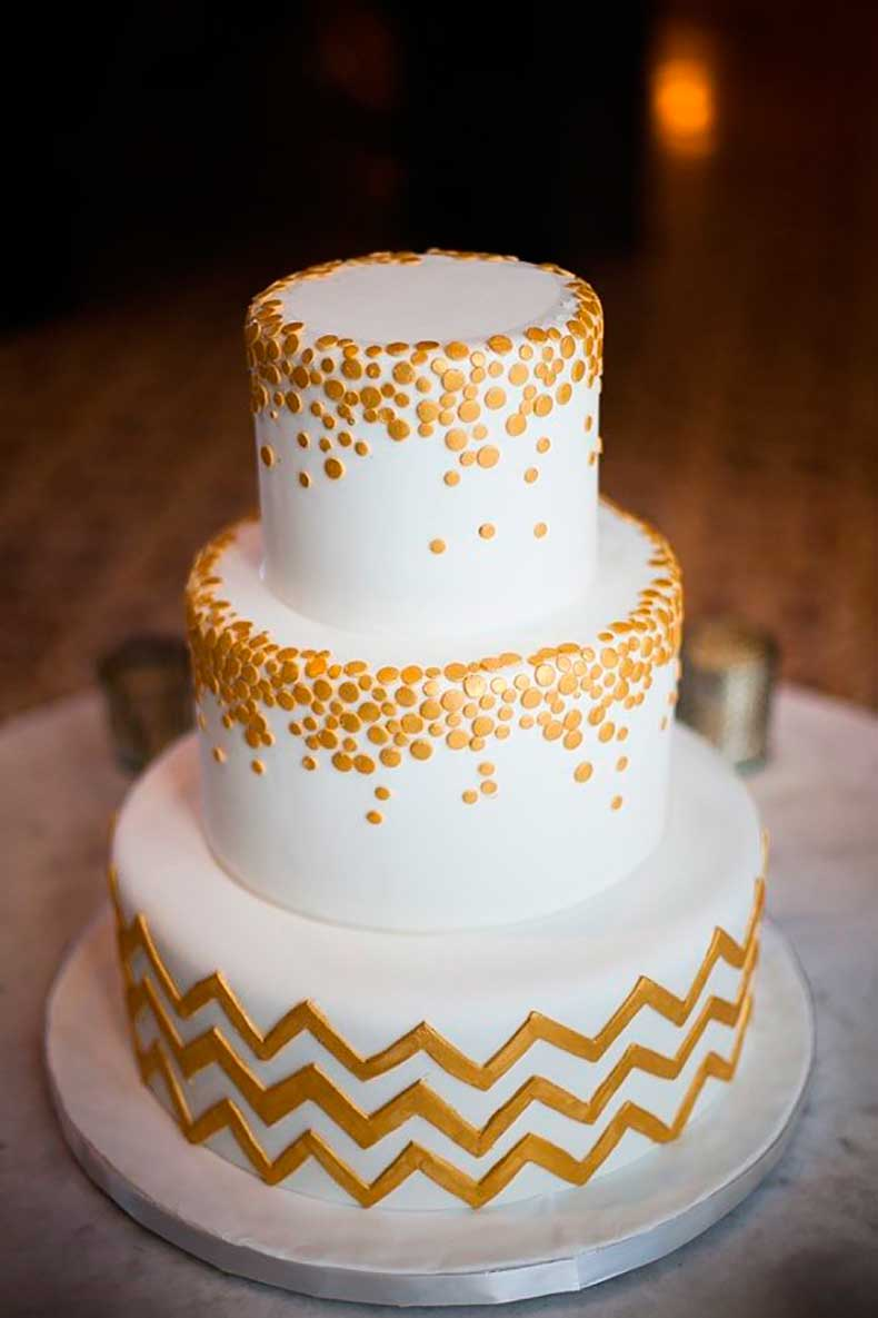 all-white-cake-given-graphic-touch-chevron-base
