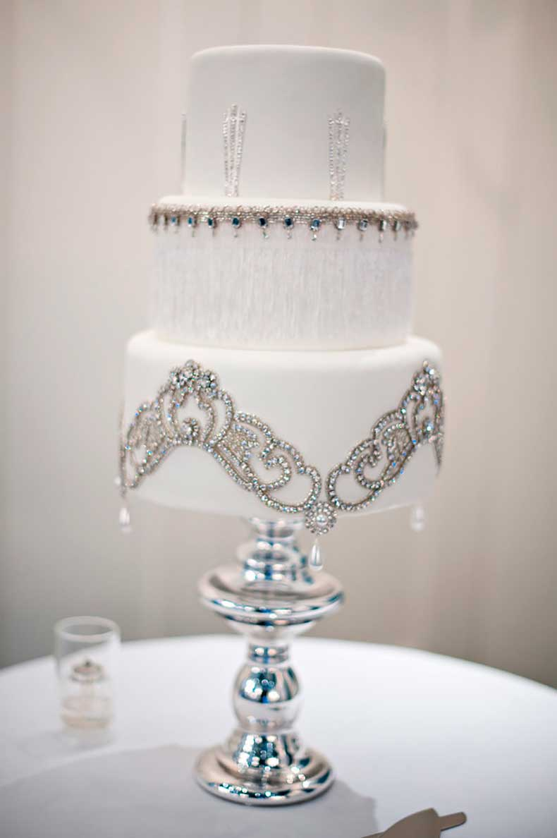 romantic-cake-practically-dripping-elegance-its