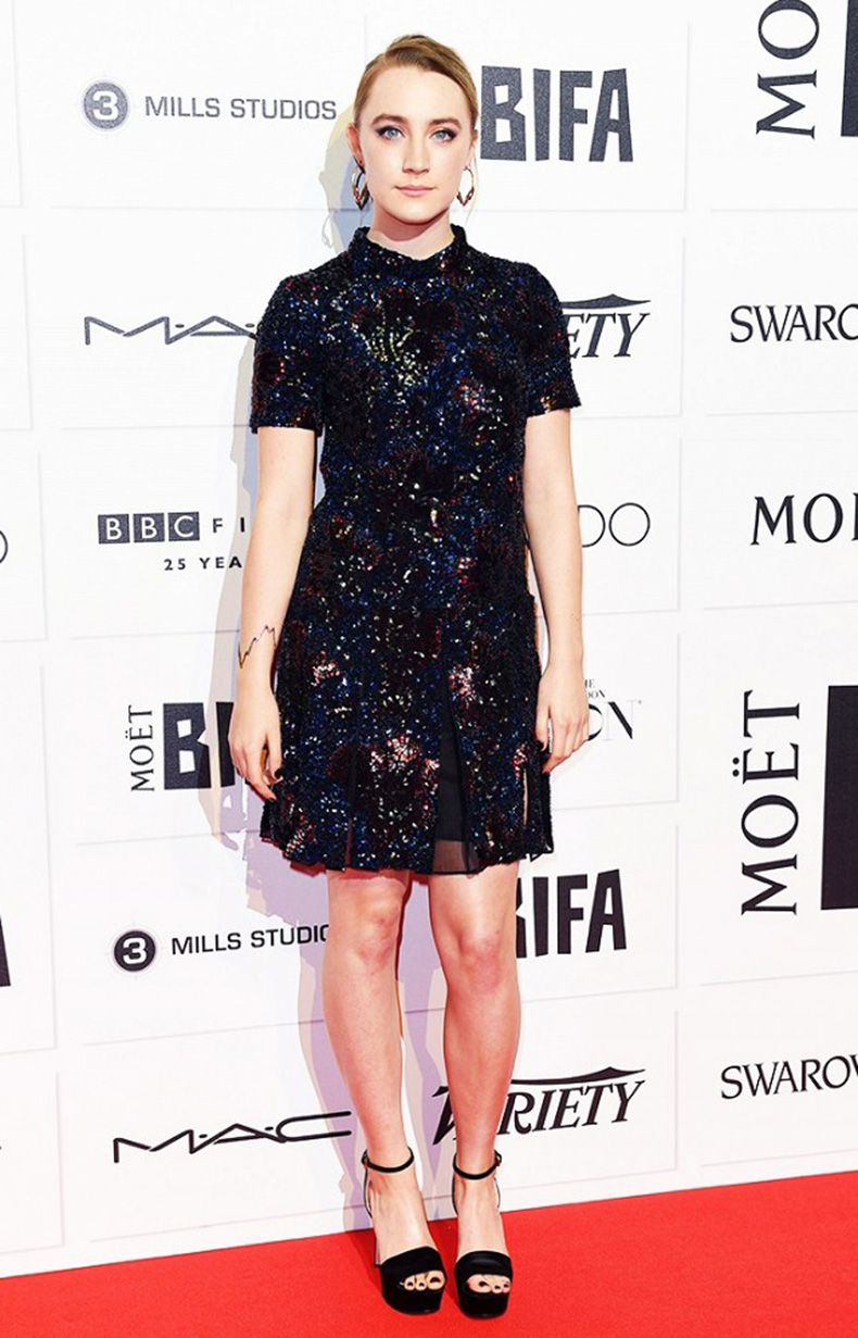 the-new-it-girl-thats-on-every-best-dressed-list-1667520-1456174634.640x0c