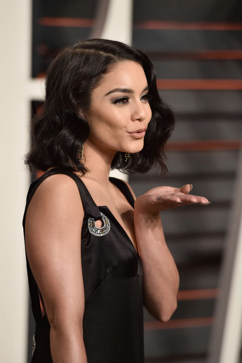Vanessa-Hudgens--2016-Vanity-Fair-Oscar-Party--01-662x995-(1)