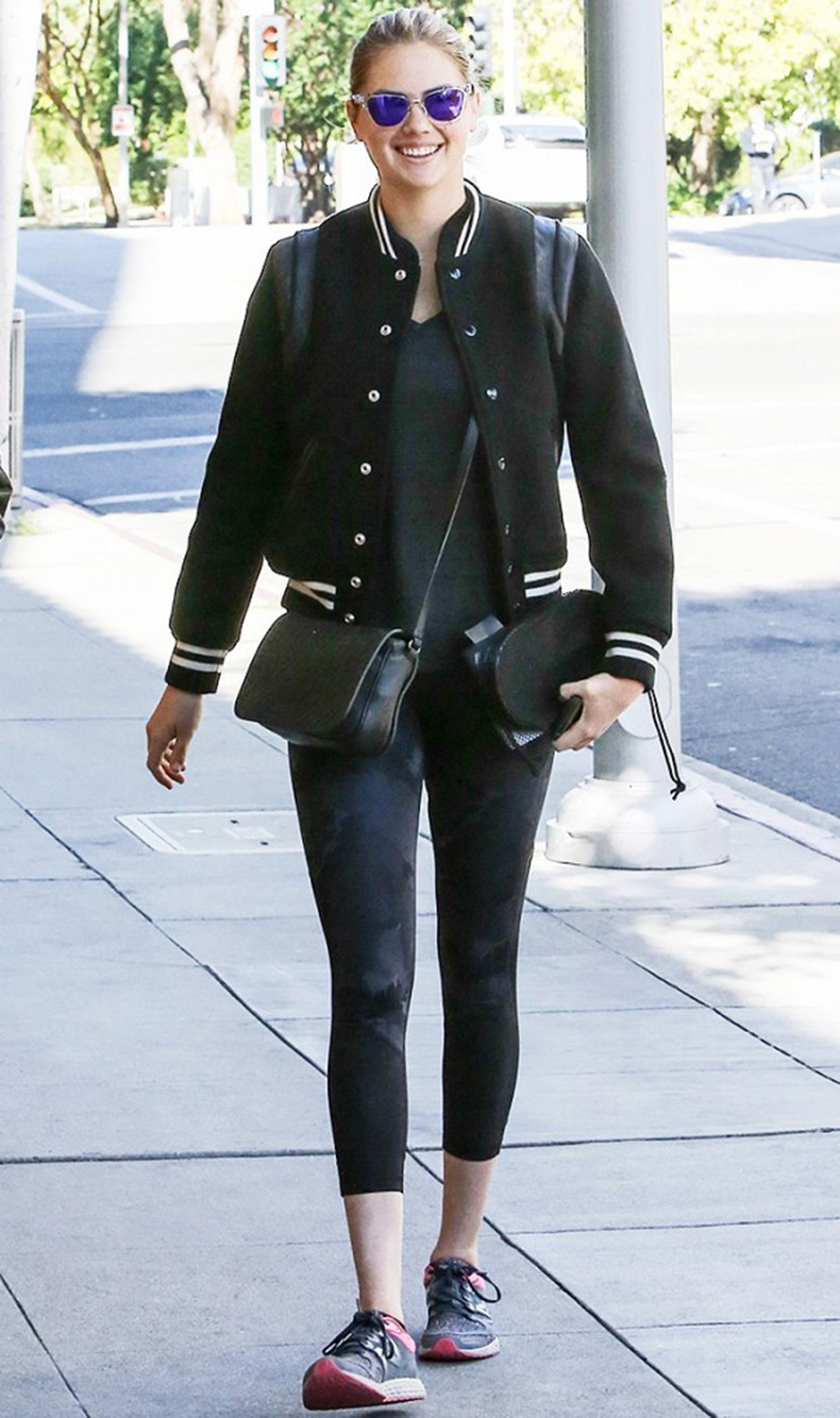 how-it-girls-wear-bomber-jackets-and-you-should-too-1698759-1458160315.600x0c