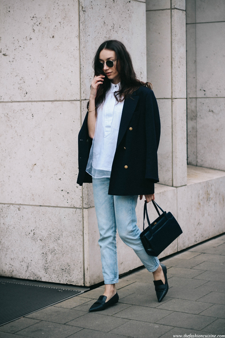 mango-pointed-loafers-double-breasted-navy-blazer-mom-jeans-7