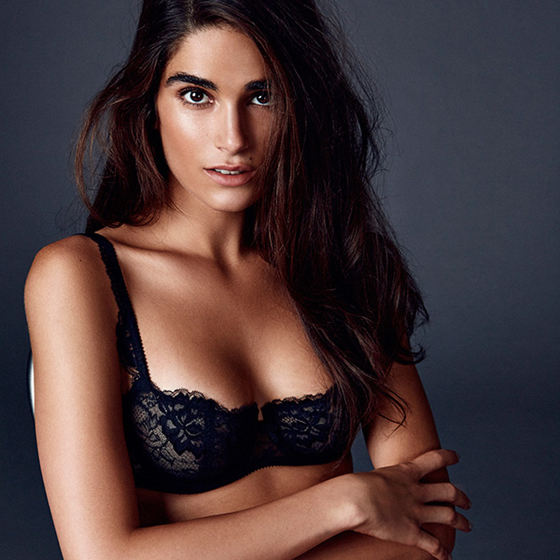 Journelle-bra-on-model-lace