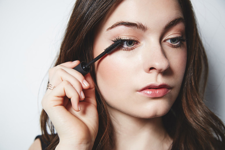 Winged-Out-Lashes-Step-2