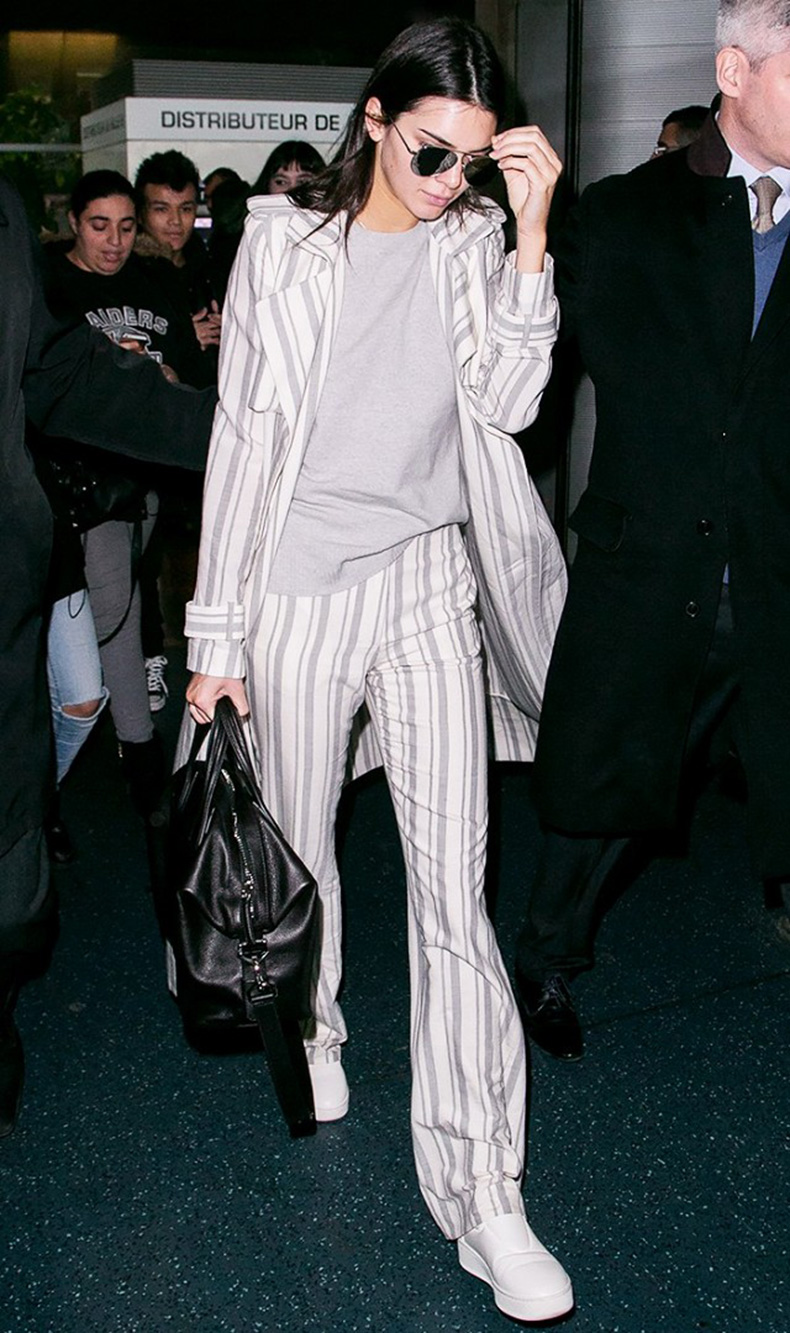 tk-things-models-always-wear-to-the-airport-1715663-1459440487.640x0c