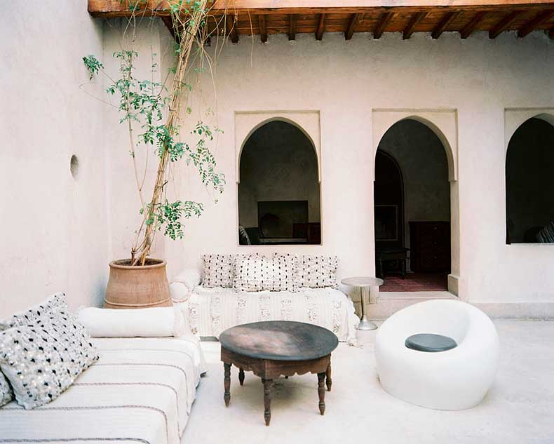 White-courtyard