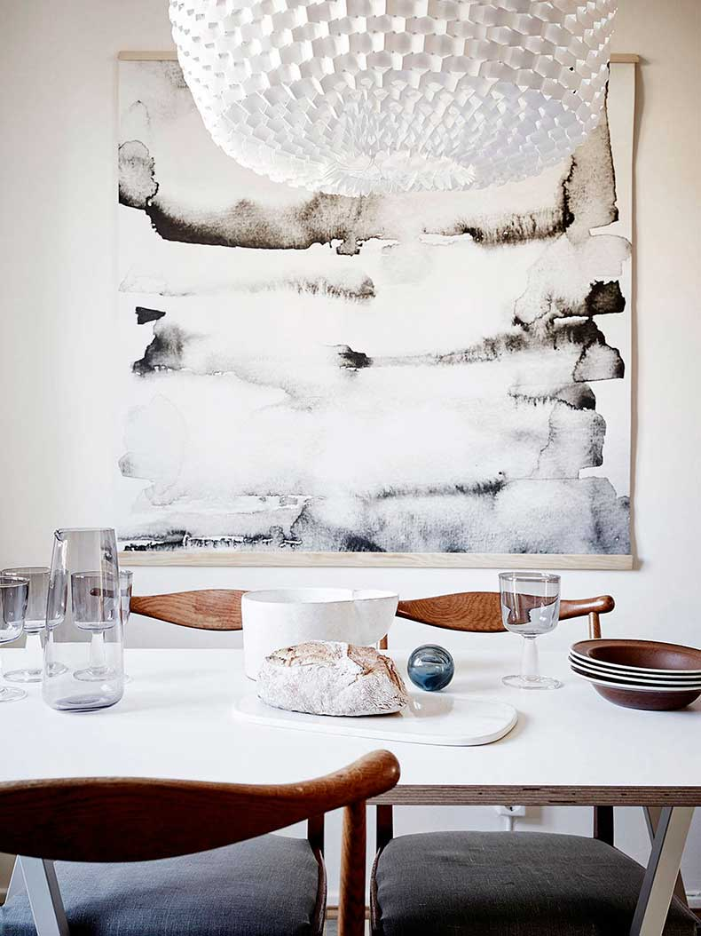 White-dining-room-texture