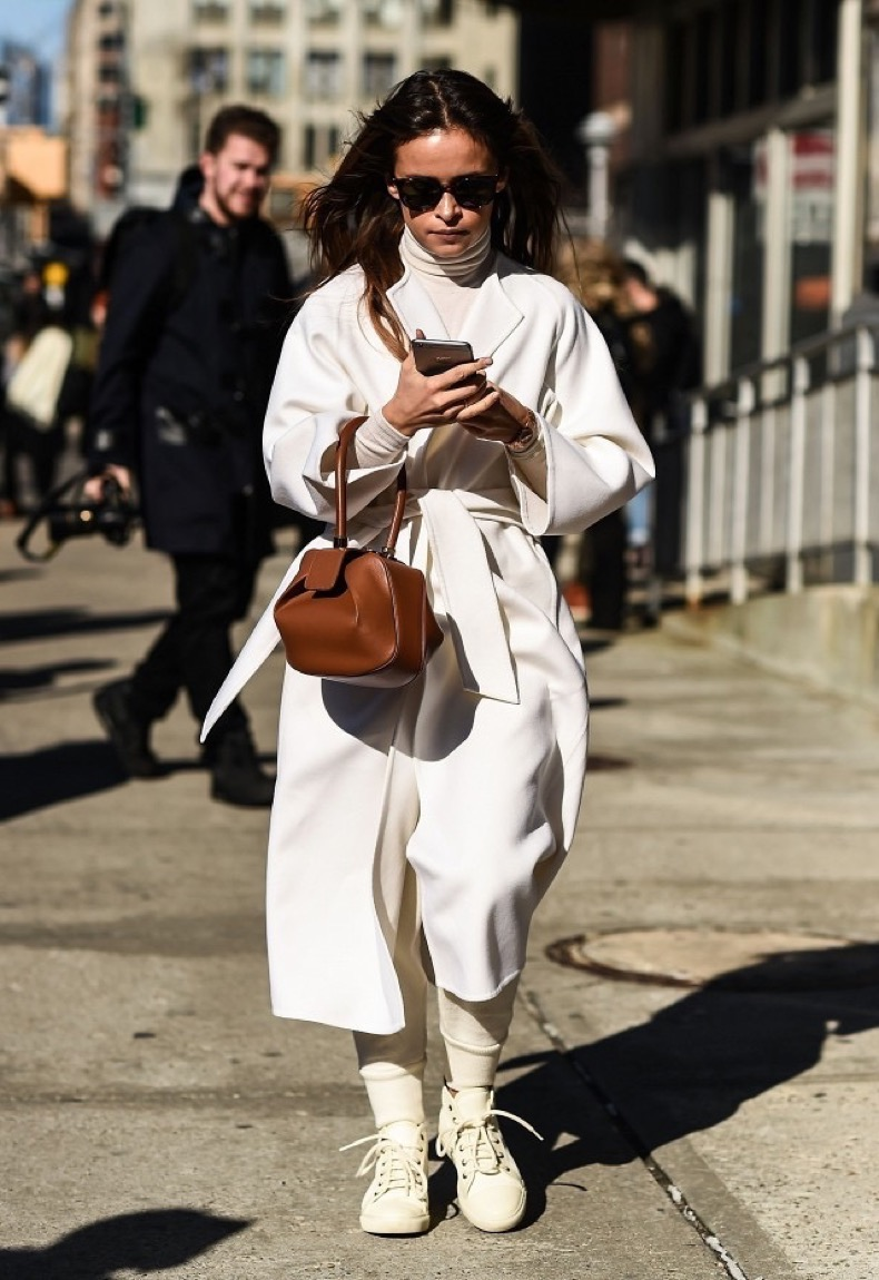 17-warm-winter-outfit-ideas-to-try-now-1819311-1467074553.640x0c