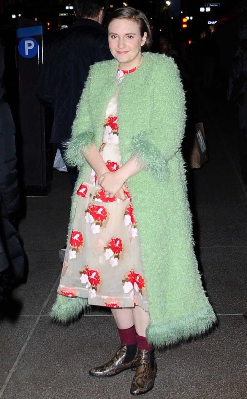 rs_634x1024-160406183052-634.Lena-Dunham-Green-Coat-NYC.ms.040616