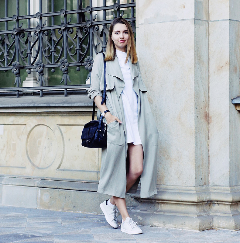 4656151_edited_the_label_trenchcoat_grey_maxicoat_longcoat_duster_minimalistic_style_streetstyle_berlin_simple_asos_otherstories_adidas_stansmith_simple_monochrome_longbob_lob_ombre.JPG_Kopie
