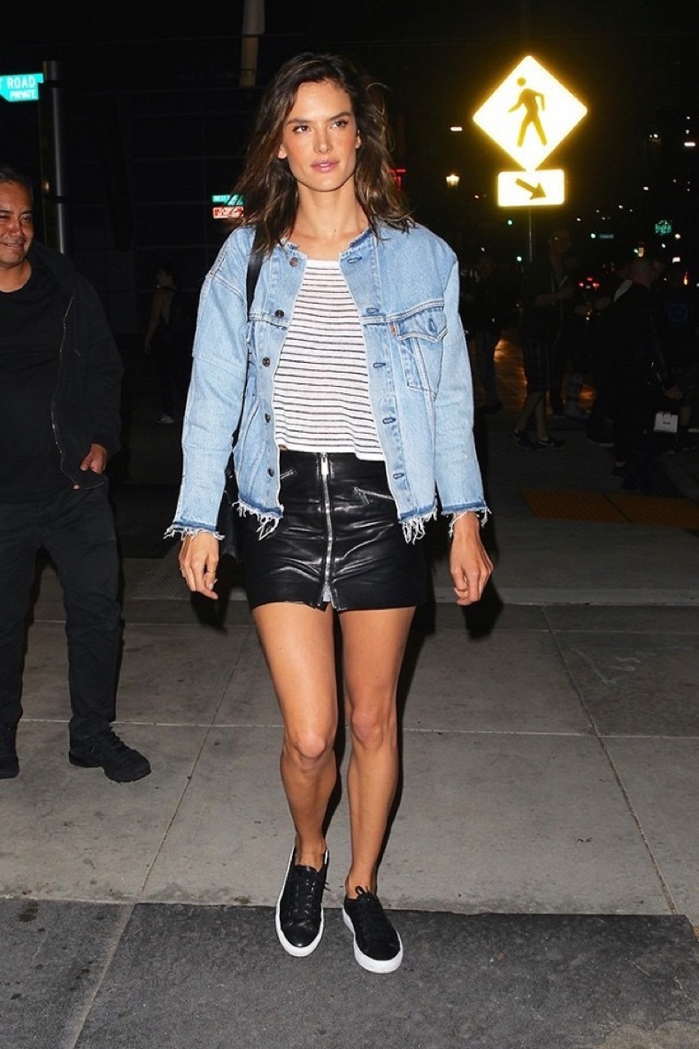 the-cool-new-way-to-style-your-sneakers-like-alessandra-ambrosio-1803903-1465827727.640x0c