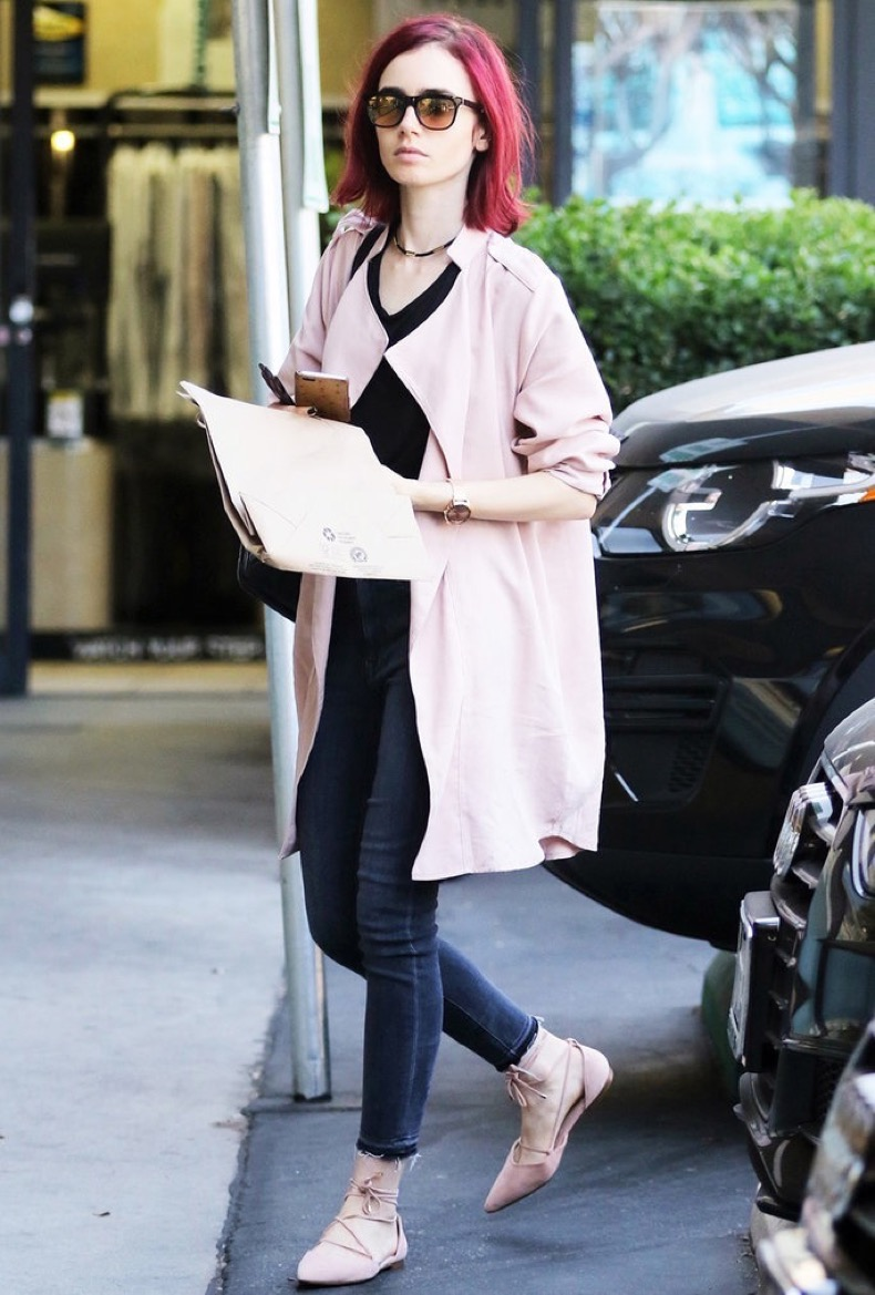 West Hollywood, CA - West Hollywood, CA - Actress and daughter to singer, Phil Collins, Lily Collins, is seen stopping by EarthBar in WeHo to stock up on some of her favorite healthy snacks. Lily has been super strict with her diet and exercise regimen this year and it looks like she isn't planning to let loose anytime soon.   AKM-GSI 5 AUGUST 2016  To License These Photos, Please Contact :  Maria Buda  (917) 242-1505  mbuda@akmgsi.com or    Mark Satter  (317) 691-9592  msatter@akmgsi.com  sales@akmgsi.com