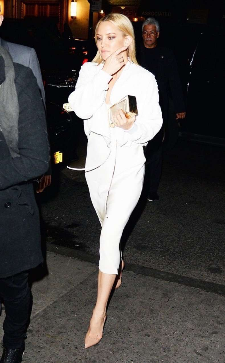 the-2-piece-going-out-look-celebrities-swear-by-1791983-1464915729-600x0c