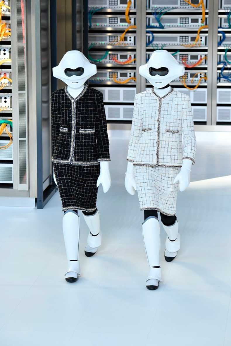 real-showstopper-robots-who-walked-runway
