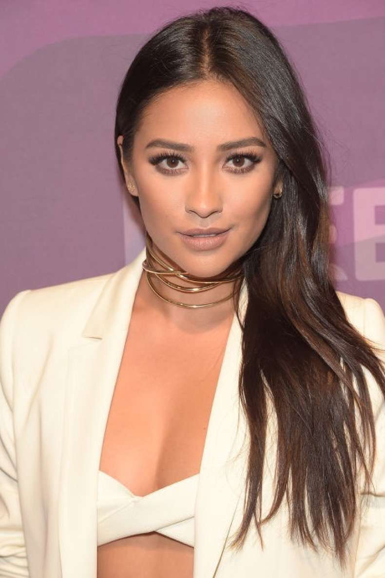 hbz-summer-hair-color-shay-mitchell-gettyimages-519643708