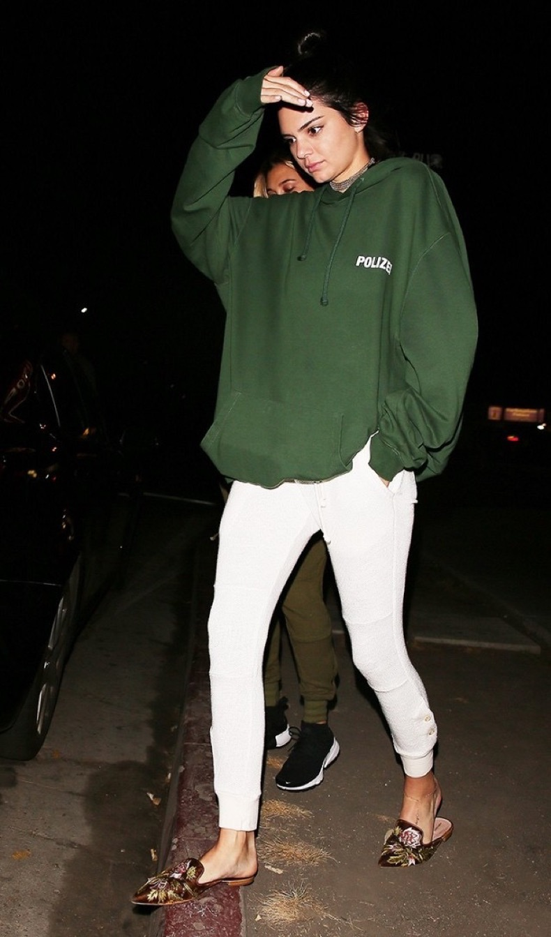 of-course-kendall-jenner-pulled-off-sweats-for-a-night-out-1876274-1471670166-640x0c