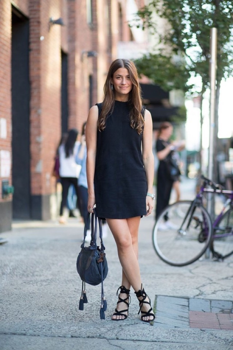 amanda-weiner-editor-style-style-profiles-mockneck-funnle-neck-suede-lbd-lace-up-sandals-hbz-640x960