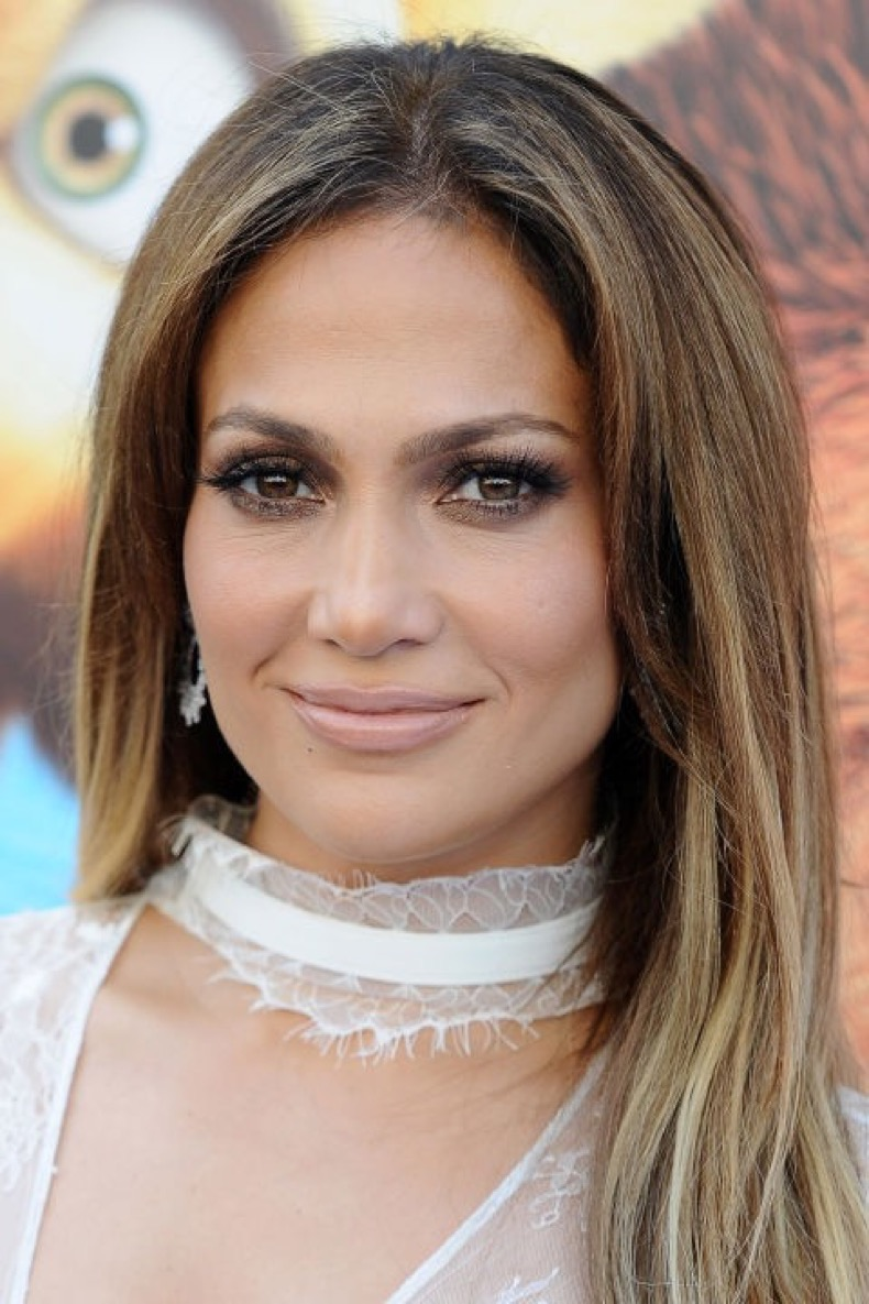 hbz-dark-blonde-hair-jennifer-lopez