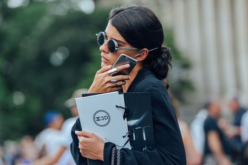 accessories-ladies-silver-large-ear-pin-sunnies-rings-tt-and08-fall-2015-couture-street-style-17