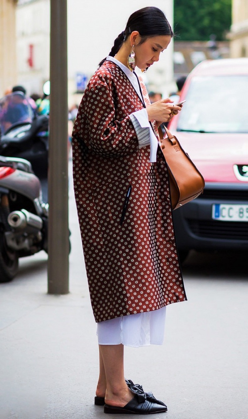 the-best-kimono-outfits-from-fashion-insiders-1961306-1478038500-600x0c